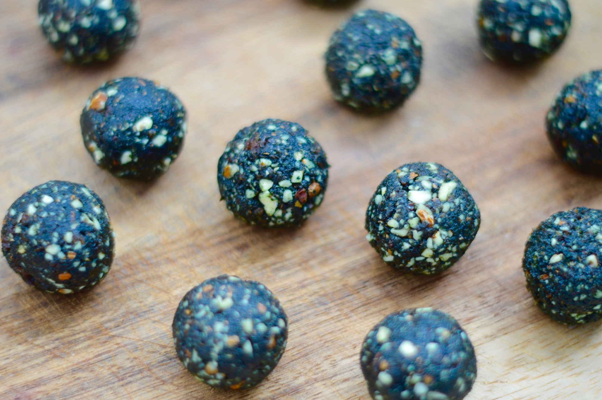 stacey hogan - spirulina protein balls